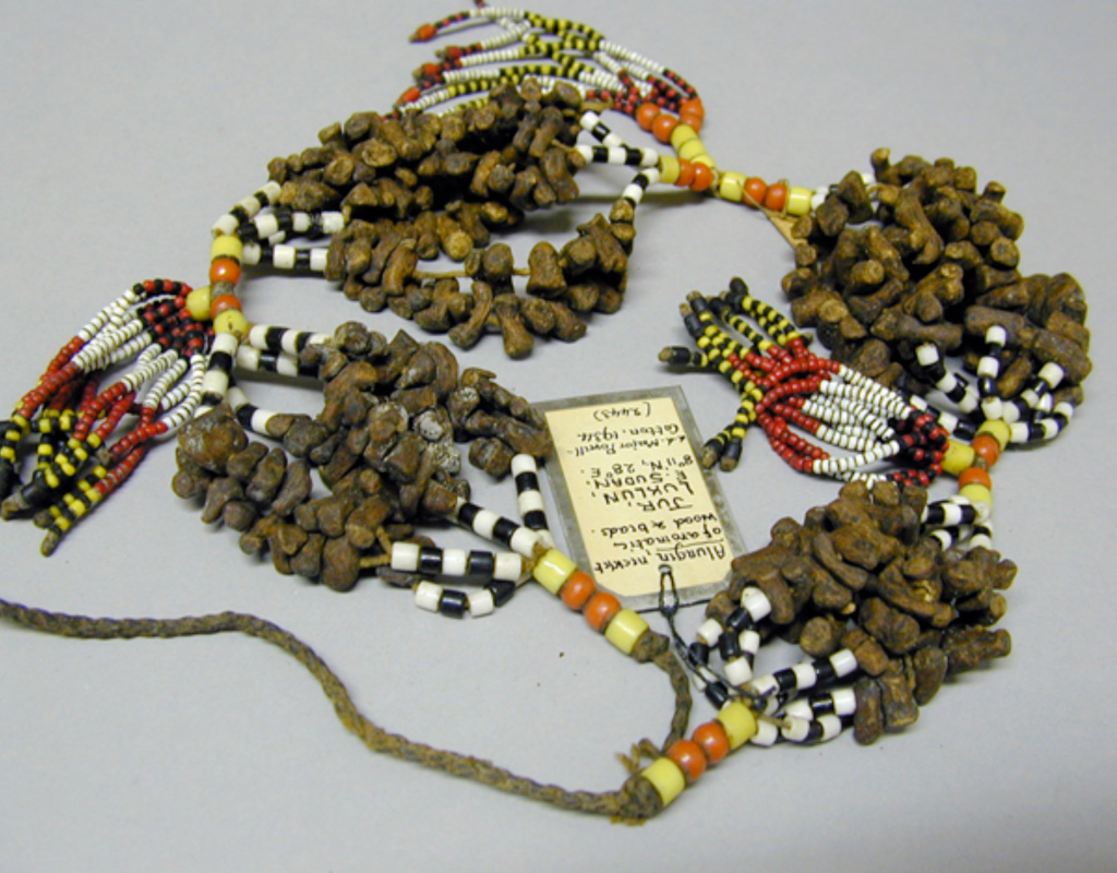 Pitt rivers museum body arts scented necklaces for How to make scented jewelry
